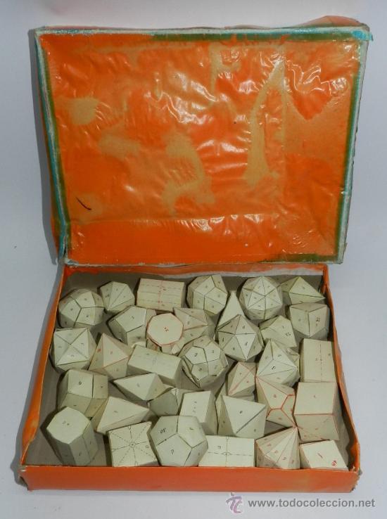 Juegos educativos: Caja con 36 figuras geometricas de cartulina. Años 50. utilizado en colegio y escuelas para el apren - Foto 2 - 37597202