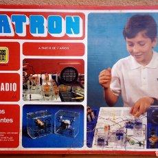 Juegos educativos: SCATRON TECNICO RADIO 45 EXPERIMENTOS COMPLETO, SOLO FALTA ALGUN PUENTE DE INTERCONEXIÓN POCO USO. Lote 96472751