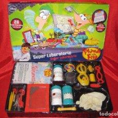 Juegos educativos: DISNEY - PHINEAS Y FERB - SUPER LABORATORIO CON MUCHOS EXPERIMENTOS. Lote 100345787