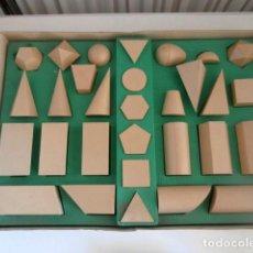 Juegos educativos: JUEGO COMPLETO DECEPLAS DE 30 FIGURAS GEOMETRICAS. Lote 117059411