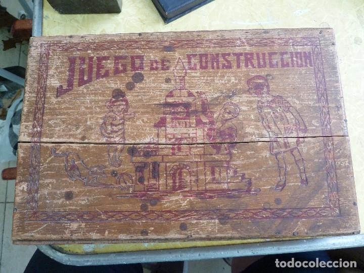 ANTIGUO JUEGO DE CONSTRUCCION EN MADERA PROBABLEMENTE DE ENTRE LOS AÑOS 60 Y 70 (Juguetes - Juegos - Educativos)