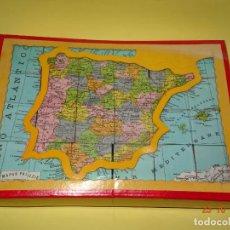 Juegos educativos: ANTIGUA CAJA CON MAPA DE ESPAÑA Y EUROPA EN CUBOS DE CARTÓN DE PALUZIE. Lote 137467438