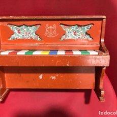 Juegos educativos: PIANO JUGUETES MEDITERRÁNEOS EN MADERA PLÁSTICO Y TECLAS DE COLORES. Lote 149901842