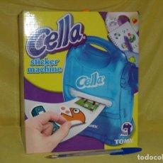 Juegos educativos: CELLA STICKER MACHINES DE TOMY, CREA TUS PEGATINAS, AÑO 2005, NUEVO SIN ABRIR.. Lote 153640326