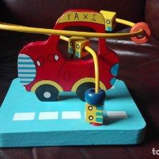 Juegos educativos: COCHE TAXI CON DADOS MOVIBLES DE MADERA. Lote 173127654