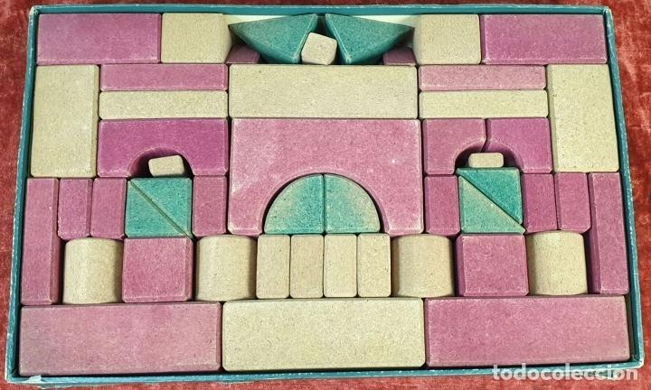 Juegos educativos: JUEGO DE CONSTRUCCIÓN. PIEZAS DE CORCHO. JUEGO COMPLETO. CIRCA 1930. - Foto 2 - 176735509
