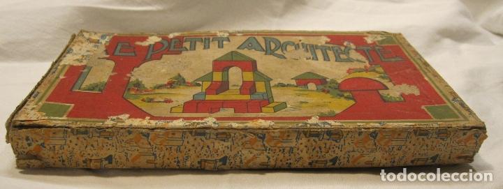 Juegos educativos: ANTIGUO JUEGO DE CONSTRUCCIÓN. LE PETIT ARCHITECTE. MADERA PINTADA. CAJA 2 X 19 X 10 CM - Foto 2 - 182304618
