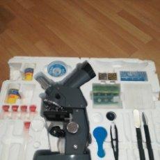 Juegos educativos: ESTUCHE CON MICROSCOPIO PROYECTOR DE SCIENTIFIC TOOLS. Lote 183886743