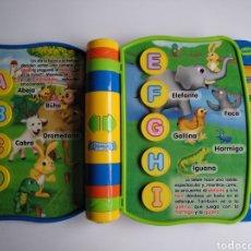 Juegos educativos: LIBRO INTERACTIVO VTECH. LIBRO APRENDE LETRAS. Lote 184796571