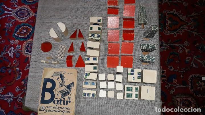 Juegos educativos: antiguo juego de arquitectura geometrica en madera años 50. batir par elements geometriques - Foto 12 - 194693818