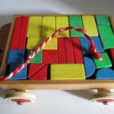Juegos educativos: ARQUITECTURA PIEZAS MADERA COLOR EN CARRO CONSTRUCCION. Lote 204219246