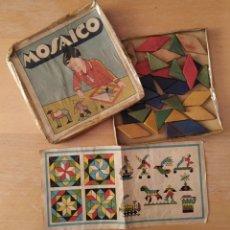 Juegos educativos: ANTIGUO JUEGO MOSAICO PIEZAS DE MADERA DE COLORES PARA MONTAR LIT.VDA DE VALVERDE- RENTERIA. Lote 224160263