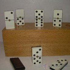Juegos de mesa: ANTIGUO JUEGO DE DOMINO DE CELULOIDE (CAMPS)....PERFECTO ESTADO.. Lote 51132406