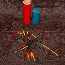 Juegos de mesa: ANTIGUO JUEGO DE PALILLOS CHINOS. AÑOS 50S. CONTIENE SUS 15 PALILLOS. EN MADERA.. Lote 27588078