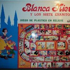 Juegos de mesa: BLANCA NIEVES Y LOS SIETES ENANITOS, DE WALT DISNEY. JUEGO DE PLÁSTICO EN RELIEVE. . Lote 27364244
