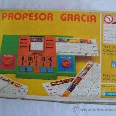 Juegos de mesa: PROFESOR GRACIA TEST DE CIRCULACIÓN Y TRÁFICO AÑOS 70 . Lote 29091708