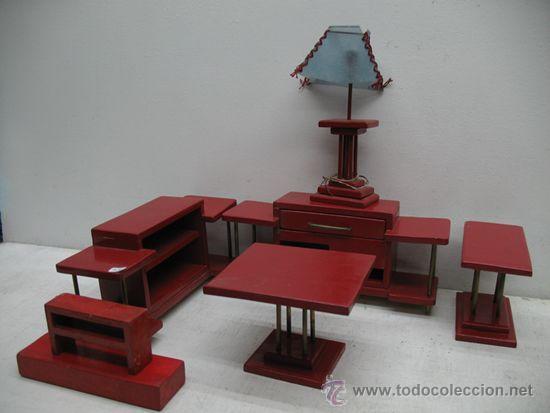 JUEGO DE MUEBLES DE SALON DE MADERA DE 7 PIEZAS. (Juguetes - Juegos - Juegos de Mesa)