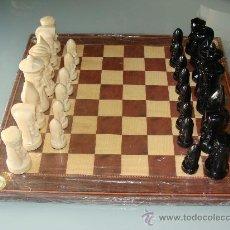 Juegos de mesa: ANTIGUO JUEGO DE AJEDREZ. AÑO 1957. INSPIRACIÓN GÓTICA . DISEÑO PETER GANINE. 34 / 36 PIEZAS.. Lote 29962745