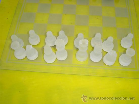Juegos de mesa: juego de ajedrez de cristal - Foto 3 - 32079432