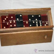 Juegos de mesa: ANTIGUO DOMINO DE PRINCIPIOS DEL S.XX CON FICHAS MULTICOLOR. Lote 32249313