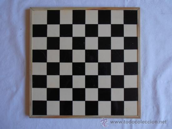Juegos de mesa: PARCHIS AJEDREZ TABLERO CLASICO AÑOS 80 - Foto 2 - 33106117