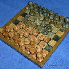 Juegos de mesa: AJEDREZ - DAMAS - TABLERO Y PIEZAS TALLADAS EN PIEDRA. Lote 33244579