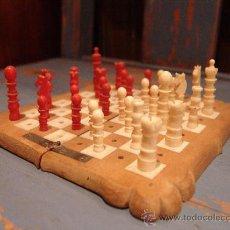 Juegos de mesa: ANTIGUO AJEDREZ DE VIAJE CON PIEZAS DE MARFIL. Lote 34245050