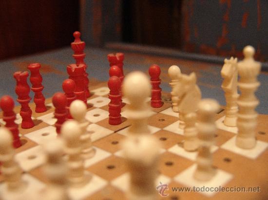 Juegos de mesa: ANTIGUO AJEDREZ DE VIAJE CON PIEZAS DE MARFIL - Foto 2 - 34245050