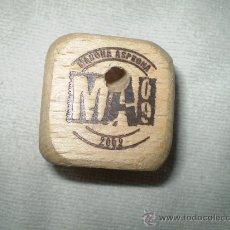 Juegos de mesa: DADO DE MADERA MARCHA ASPRONA 2009. Lote 35917593