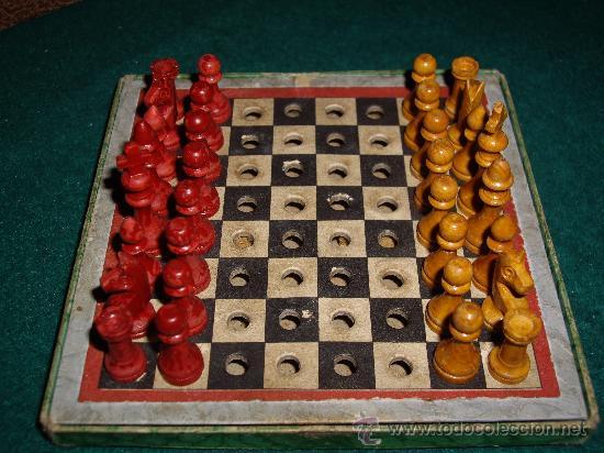 AJEDREZ - DAMAS (Juguetes - Juegos - Juegos de Mesa)