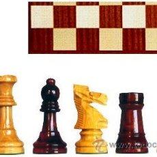 Juegos de mesa: CONJUNTO DE AJEDREZ DE MADERA STAUNTON J-25. PIEZAS FS-5 Y TABLERO TS-48E. Lote 37795467