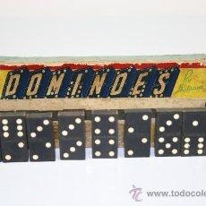 Juegos de mesa: DOMINO EN MADERA TALLADA. BY HALSAM. MADE IN USA. MED S XX. . Lote 39218578
