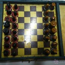 Juegos de mesa: JUEGO DE AJEDREZ EN MINIATURA, DE MADERA.. Lote 41981752