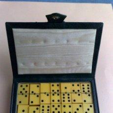 Juegos de mesa: JUEGO DOMINO ANTIGUO EN MINIATURA (COMPL.28 FICHAS),EN SU ESTUCHE (DESCRIPCIÓN.). Lote 43146711