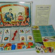 Juegos de mesa: JUEGO DE MESA LO TOMA, O LO DEJA, DE JUGUETES BORRAS, TIENE TODAS SUS CARTAS Y COMODINES, CUBILETE Y. Lote 43779430