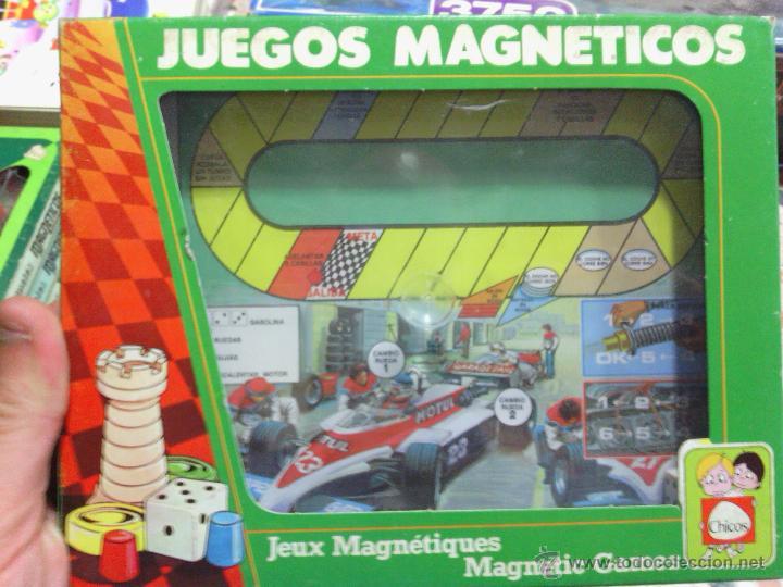 JUEGO MAGNÉTICO CARRERA COCHES COLECCIONABLES CHICOS (Juguetes - Juegos - Juegos de Mesa)