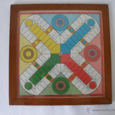 Juegos de mesa: ANTIGUO TABLERO DE PARCHIS Y AJEDREZ CON MARCO DE MADERA Y CRISTAL - SIN USO. Lote 44704613