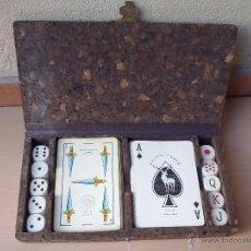 Juegos de mesa: CAJA CORCHO JUEGOS BARAJAS CARTAS Y DADOS, AÑOS 60 - 70.. Lote 45513379