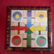 Juegos de mesa: ANTIGUO TABLERO DE PARCHIS PEQUEÑO MARCO MADERA Y CRISTAL-. Lote 45597351