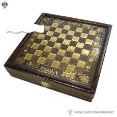 Juegos de mesa: AJEDREZ FIGURAS GUERREROS ROMANOS GRIEGOS + CAJA TABLERO ACERO ESMALTADO. 18,5 CMS. Lote 46005479