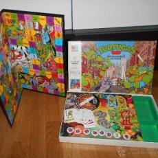 Juegos de mesa: JUEGO TORTUGAS NINJA, DEVORADORAS DE PIZZA, DE MB AÑO 1991, EN CAJA POCO JUGADO COMPLETO. Lote 49657337