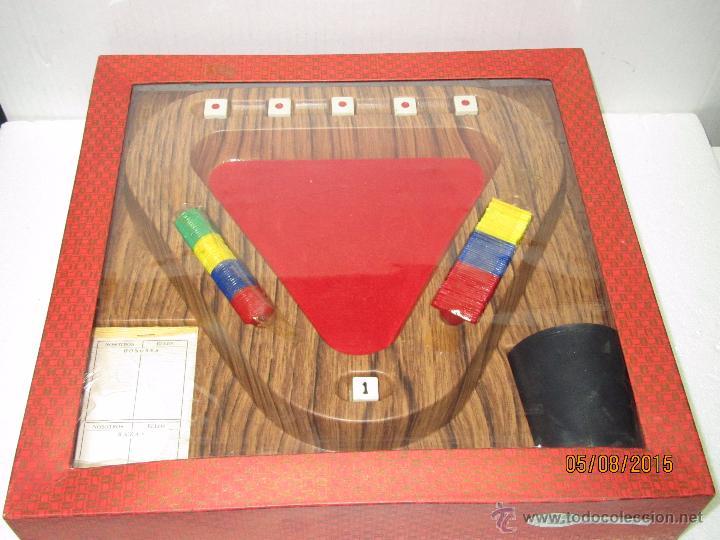 Antiguo Juego De Mesa Con Dados Cubilete Y Fich Comprar Juegos De