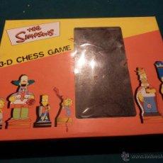Juegos de mesa: JUEGO DE AJEDREZ DE THE SIMPSONS - CON TODAS LAS FICHAS Y TABLERO - AÑO 2000 - 3-D CHESS GAME. Lote 52705200