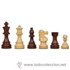Juegos de mesa: CHESS. JUEGO DE PIEZAS DE AJEDREZ CLÁSICAS CAOBA DE MADERA PLOMADAS. MEDIANAS 76MM. Lote 53158046