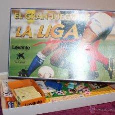 Juegos de mesa: JUEGO DEPORTIVO TIPO TRIVIAL DE FÚTBOL. EL GRAN JUEGO DE LA LIGA. DEL DIARIO LEVANTE Y LA CAIXA.. Lote 53437522