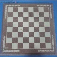 Juegos de mesa: ANTIGUO TABLERO DE AJEDREZ 40X40 CM.. Lote 138808588