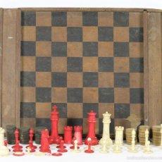 Juegos de mesa: JUEGO DE AJEDREZ Y DAMAS. TABLERO EN MADERA. FICHAS DE AJEDREZ EN HUESO. SIGLO XIX-XX. . Lote 55097518