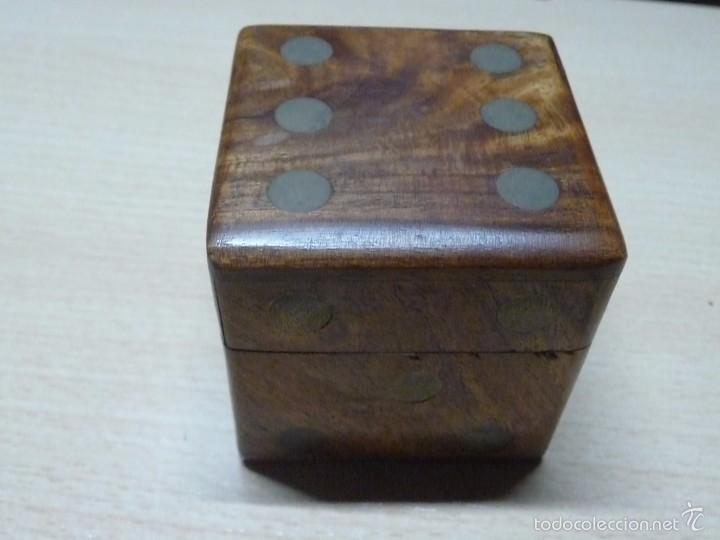 Juegos de mesa: CAJITA DE MADERA CON 5 DADOS DE MADERA - Foto 3 - 56724169