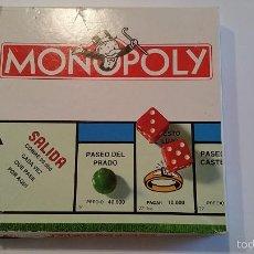 Juegos de mesa: MONOPOLY ANTIGUO - COMPLETO - PEQUEÑA ROTURA EN TABLERO Y CAJA. Lote 57320606
