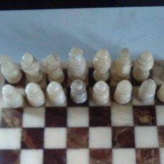 Juegos de mesa: AJEDREZ DE MÁRMOL. COMPLETO. TABLERO: 34 CM X 34 CM. Lote 76253319
